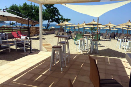 Crystal Blue Beach Bar Potos